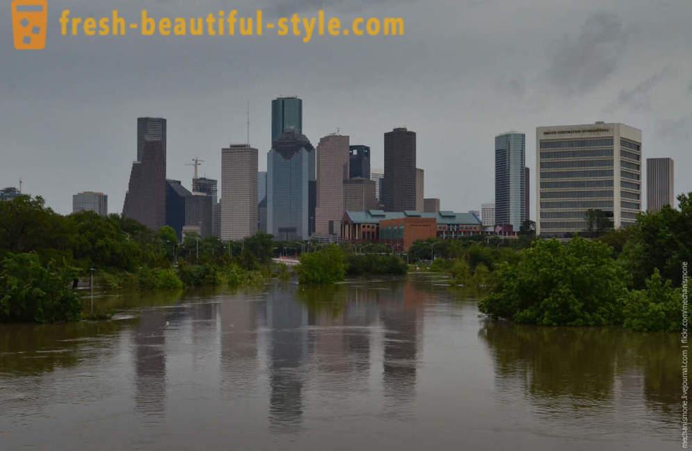 Történelmi árvíz Houston